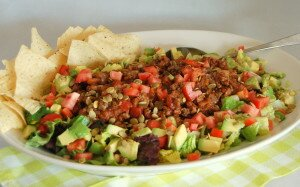 Delicious Easy Taco Salad with Pumpkin Seeds and Avocado